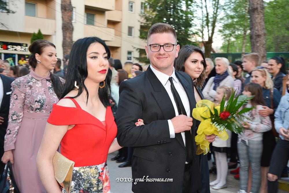 Rezultat slika za Foto: I Kiseljak ispratio svoje maturante