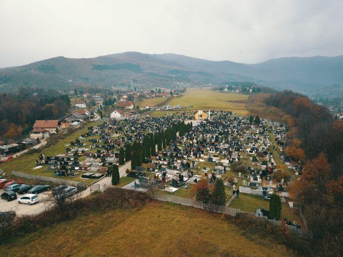 http://hrvatskifokus-2021.ga/wp-content/uploads/2019/10/svi-sveti-gradsko-groblje-carica-busovaca.jpg